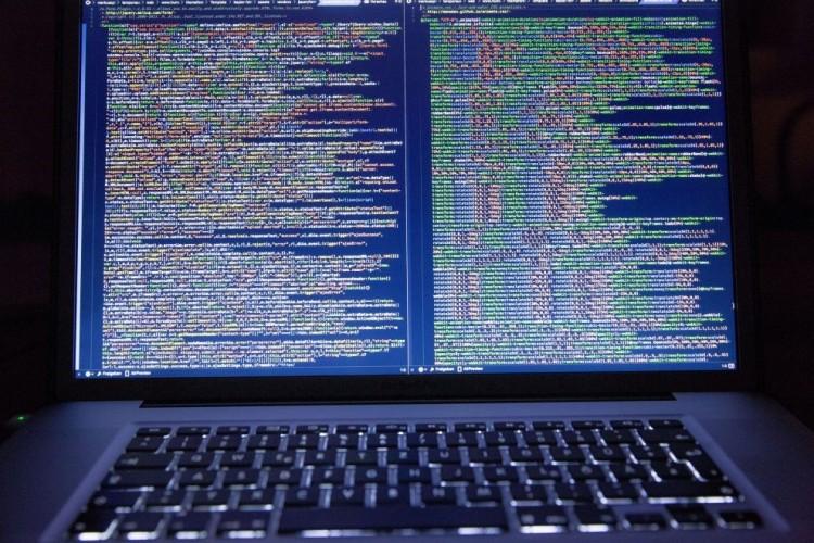 Przeglądanie stron z pornografią przyczyną zainfekowania złośliwym kodem infrastruktury IT rządu Stanów Zjednoczonych
