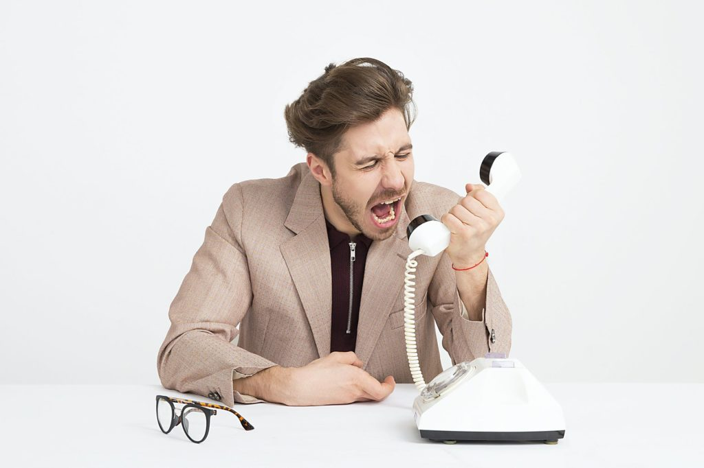 Mężczyzna z telefonem