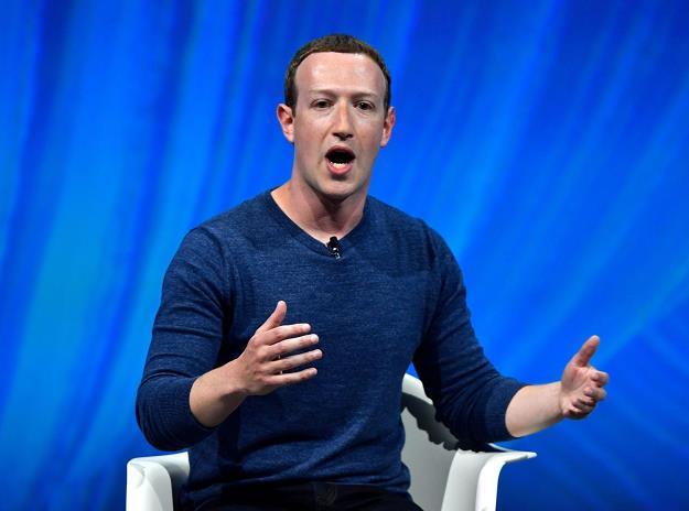 Facebook ukarany za Cambridge Analytica